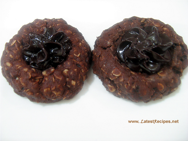 chocolate_oatmeal_thumbprint_cookies_1