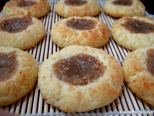 thumbprint_cookies_with_kaya