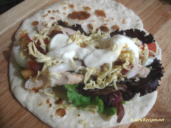 tortilla_wrap_grilled-chicken-salad_greens_onion_tomatoes_cheese_yogurt
