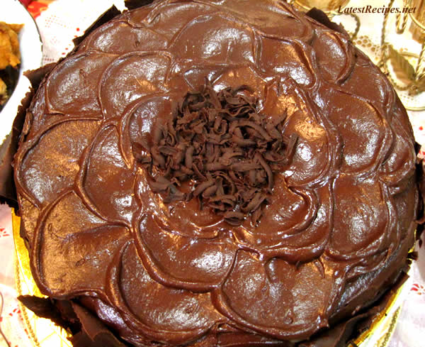 chocolate_layer_cake_with_whipped_chocolate_ganache_frosting_2
