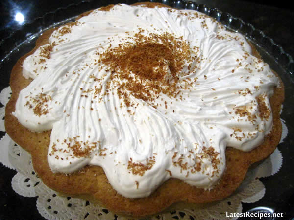 coconut_cake_with_seven_minute_frosting