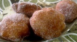 Bomboloni (Italian Doughnuts)