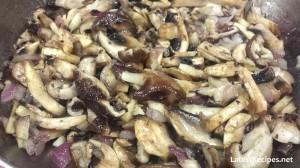 pasta-with-mushroom-fettuccine-ai-funghi-1